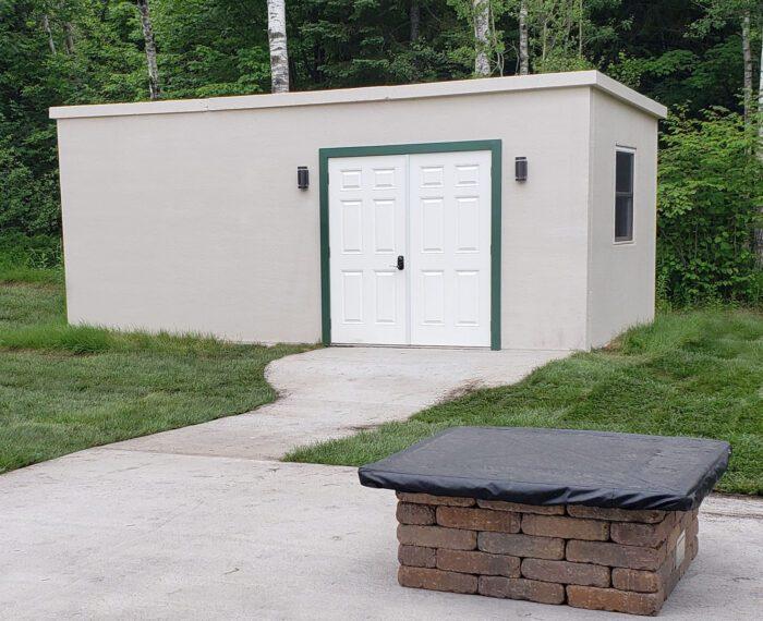 Concrete modular building